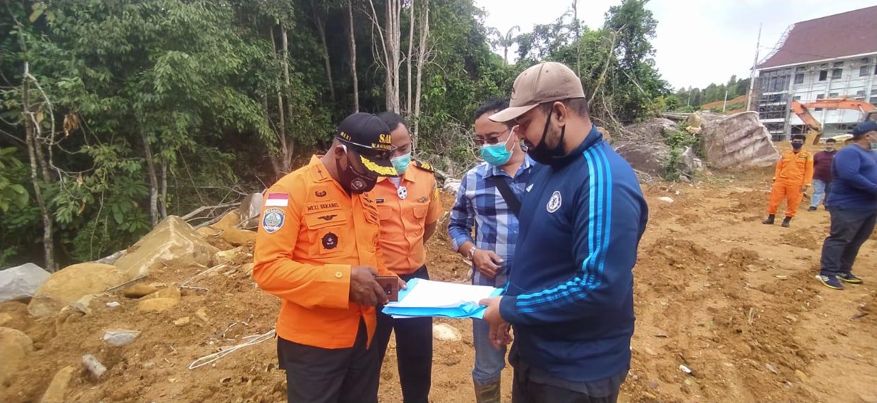Kepala KPP Natuna Kunker Meninjau Lahan Untuk Dibangun Gedung Pos Pencarian dan Pertolongan Anambas