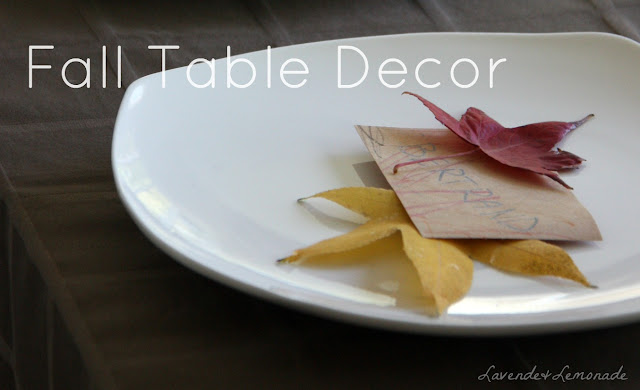 Use Fall leaves to create a gorgeous thanksgiving tablescape in minutes!