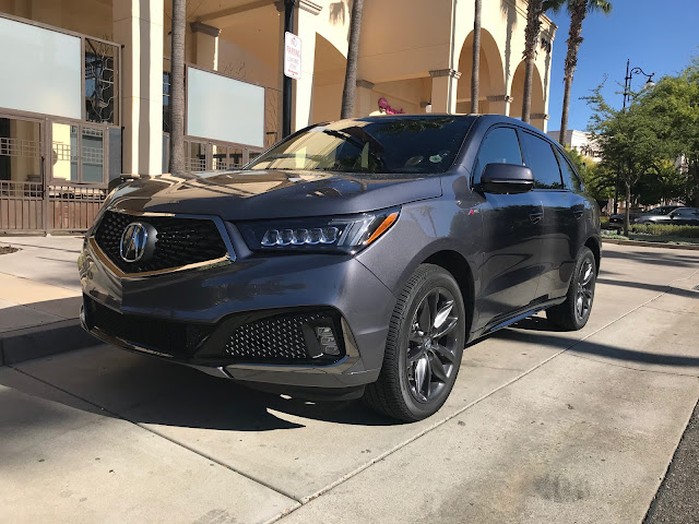 Front 3/4 view of 2020 Acura MDX SH-AWD A-Spec