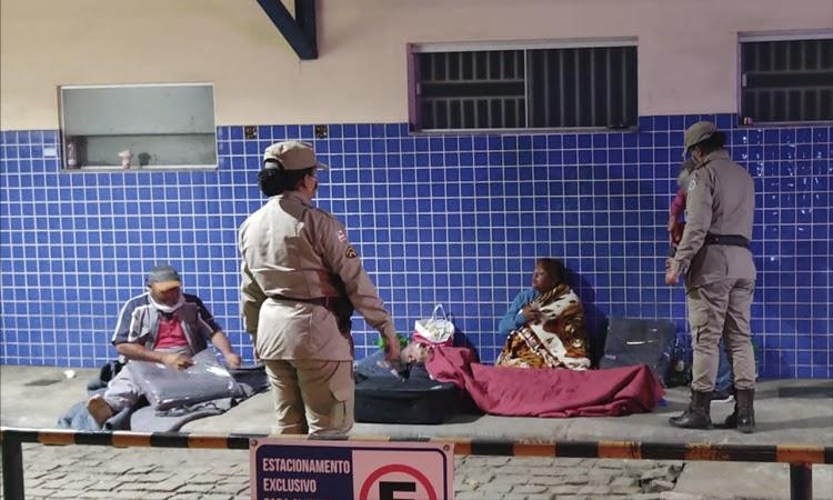 Patrulha Solidária aquece inverno de moradores de rua em Vitória da Conquista