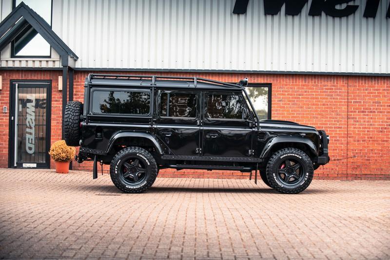 Hãng độ Twisted ra mắt Land Rover Defender LT1 V8 giá 250.000 USD