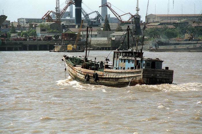 Shanghai, bateaux, sampans, Yangtze, © L. Gigout, 1990