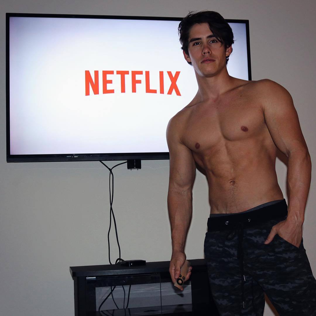 hot-netflix-chill-guys-fit-shirtless-trainers-one-night-stand-hunks