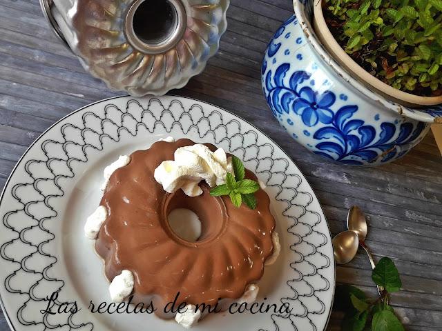 Flan de chocolate sin horno (VIDEORECETA)