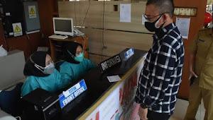 Alpian Maskoni SH Wali kota Pagaralam Tinjau Langsung Ruang Isolasi Covid 19 di RSUD Besemah
