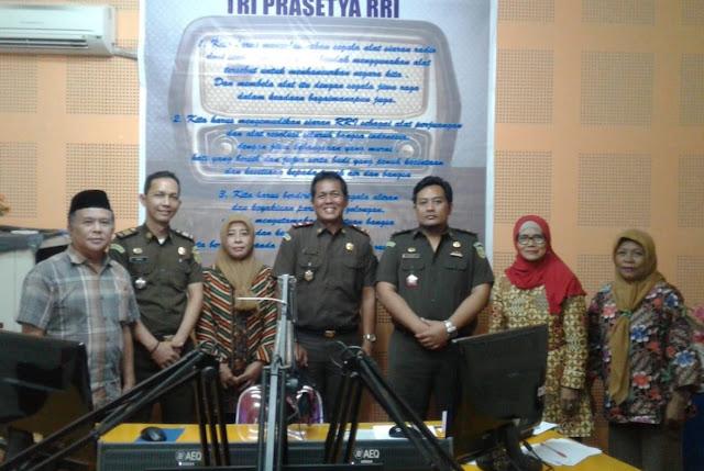 Kajari Luwu Timur Sapa Masyarakat Lewat RRI Makassar