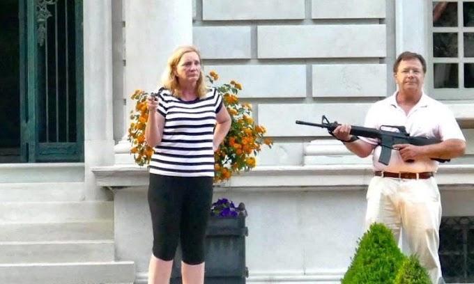 Kegyelmet kapott az erőszakos BLM-tüntetőkre fegyvert fogó házaspár
