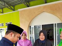 Tiga Ibu-ibu Dapat Emas saat Mengikuti PKM UNU Kalbar