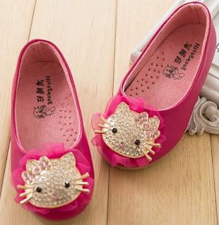 Gambar Sepatu Hello Kitty untuk Anak 5