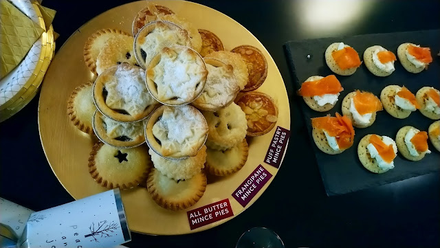 Marks & Spencer Festive Food - Mince Pies