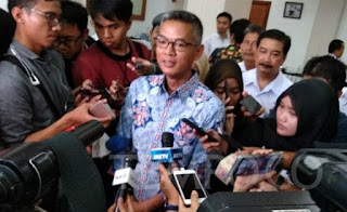 Di Atas Pesawat, KPK Tangkap Komisioner KPU Pusat