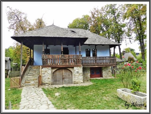 muzeul-satului-bucuresti-casa-albastra