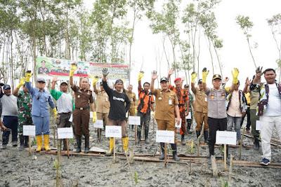Bupati Batubara Apresiasi Kapolda Sumut Prakarsai  Penanaman Mangrove