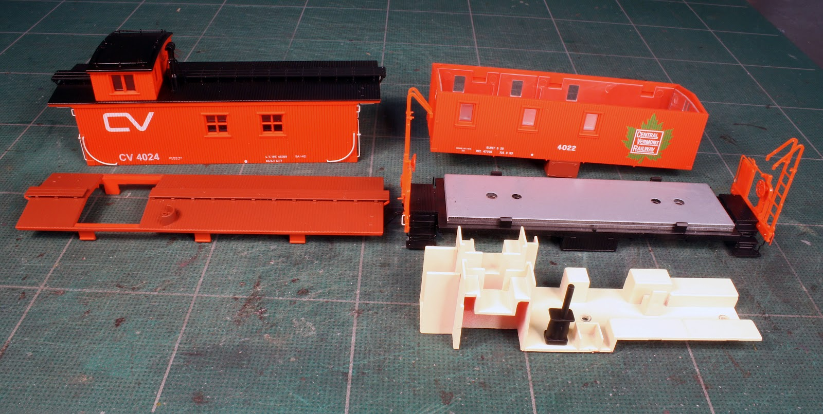 White River Division: Walthers Central Vermont Caboose Model