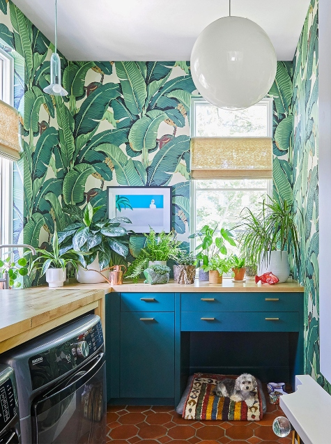 Tropical Palm Leaf Laundry Room Idea