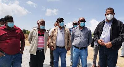 Director Indesur y Funcionarios  IAD supervisan  proyectos agrícolas ejecutados por UTEPDA en Independencia