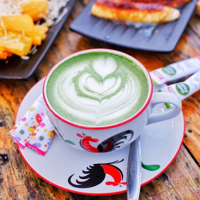 Harga Makanan di D'Goendoe Cafe Batu