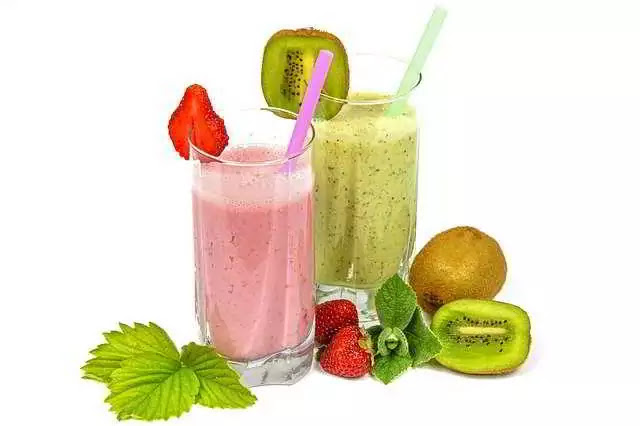 TOP 5 Reasons More Women Are Using Green Smoothies To Lose Weight, Boost Energy, And Look Years Younger