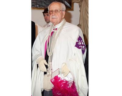 El conde de Villarreal, Grande de España, caballero del Real Cuerpo de la Nobleza de Madrid