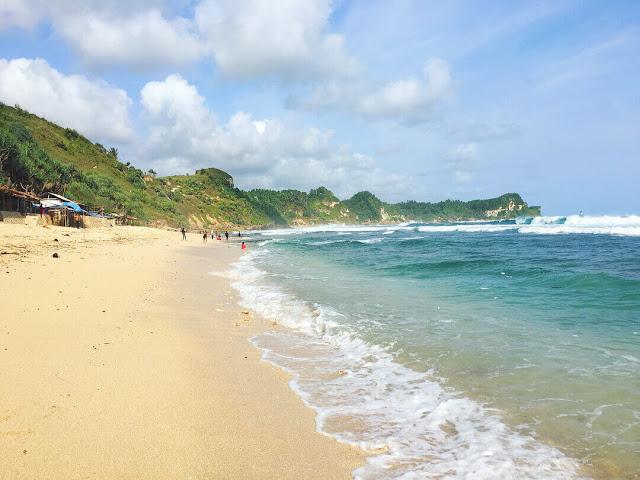 Info Lengkap Pantai Nampu, Pantai Unik dan Indah di Wonogiri