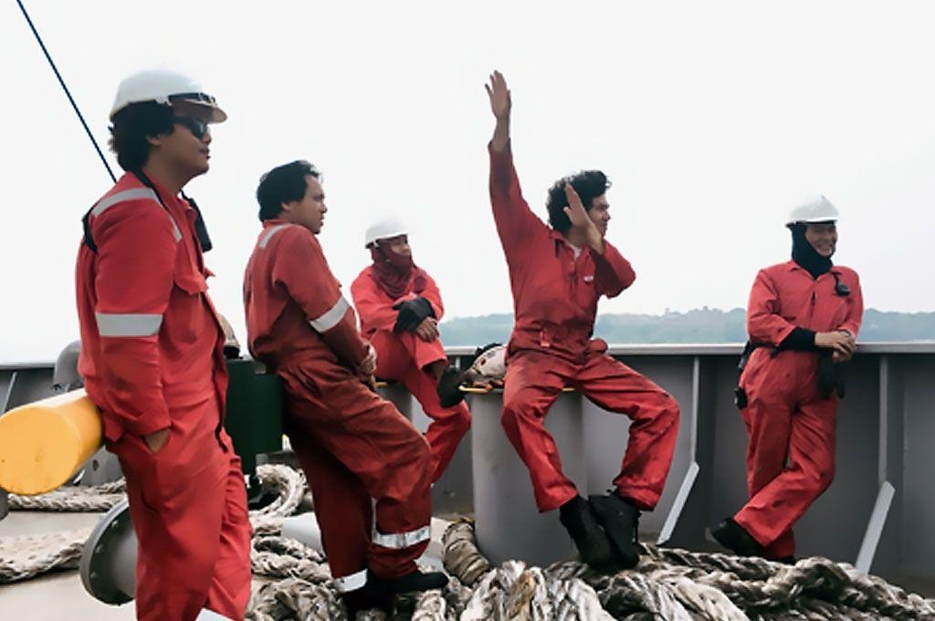 Comunidade marítima alerta sobre condições de tripulantes presos em alto-mar