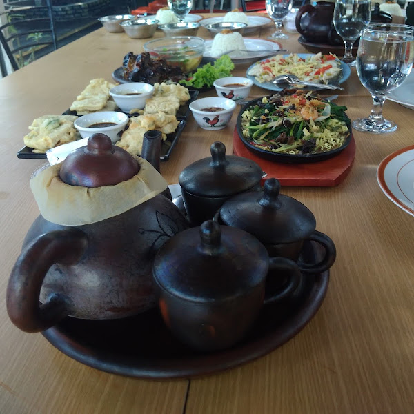 Sensasi Kuliner Bengkulu di Rumah Jala 153 Resto dan Cafe