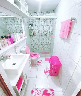 Desain kamar mandi minimalis yang cute pink dan putih  20 Desain kamar mandi cute