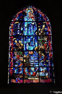 Belle vetrate della Chiesa