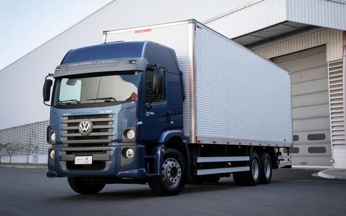 Linha VW Constellation passa a contar com nova opção de transmissão