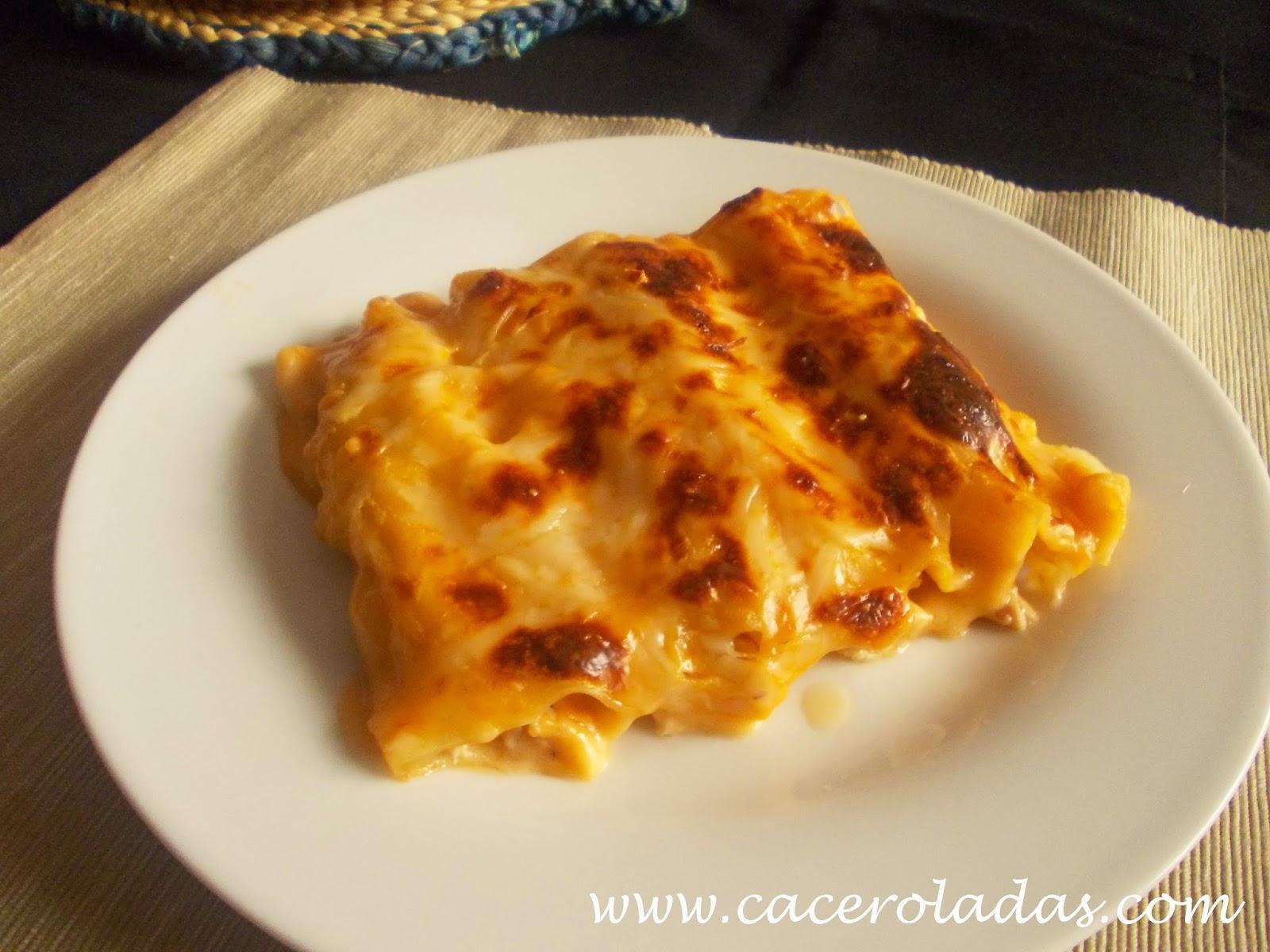 Canelones de salmón y queso cremoso