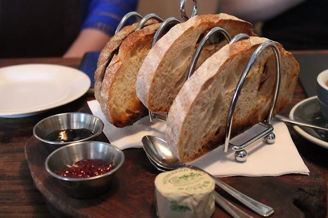 sourdough bread breakfast at the hardwick in abergavenny