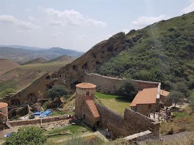 Vistas del monasterio de David Gareja desde arriba