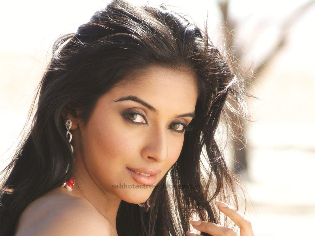 Asin Hd Wallpapers Asin Biography Bollywood Actress Photos: ALL HUNGAMA