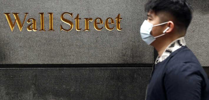 El mercado bursátil en EE.UU. sintió un respiro, pero algunos índices se vieron afectados por las alarmas de los inversores ante un avance de las pugnas con China / REUTERS