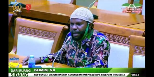 Anggota DPR Asal Papua Gebrak Meja Tagih Janji Pemerintah