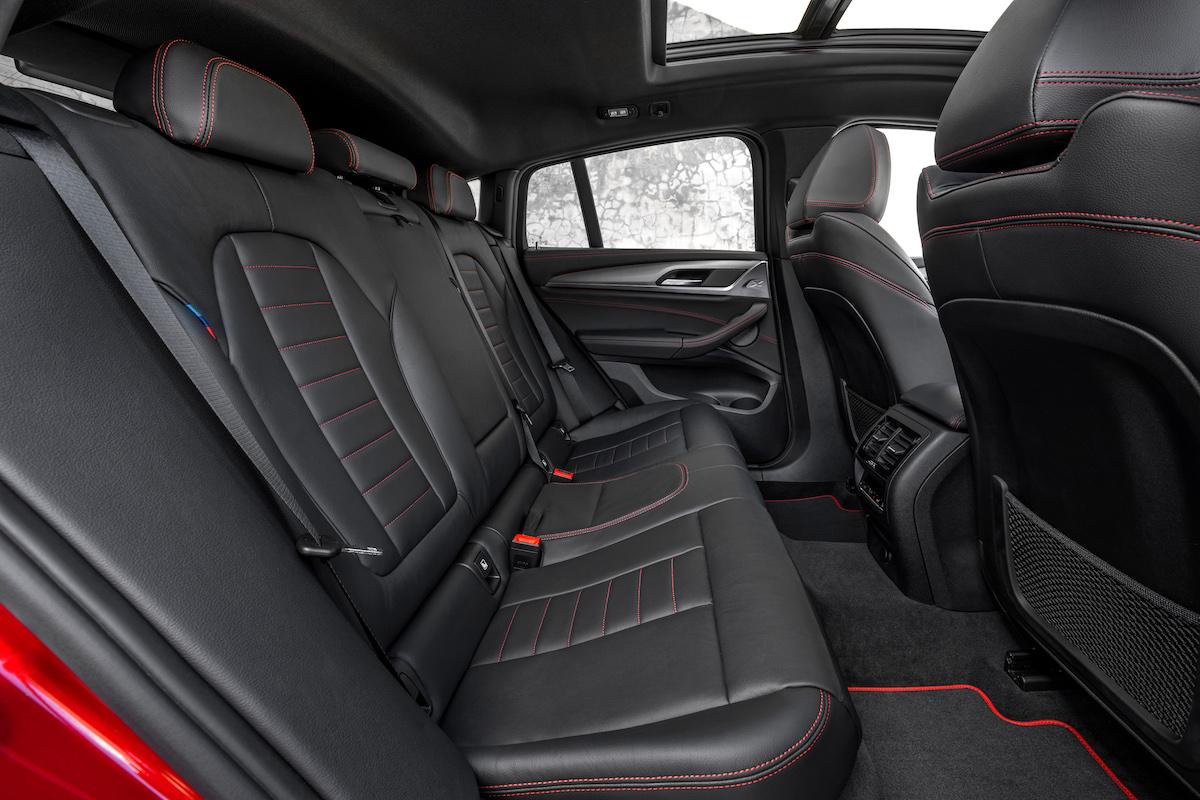 nuova bmw x4 2018 sedili posteriori