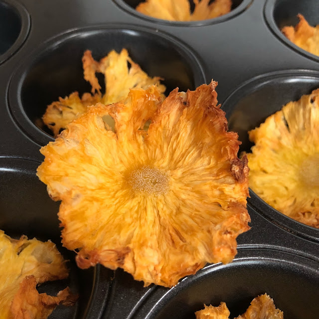 How long to bake pineapple flowers till they are dry