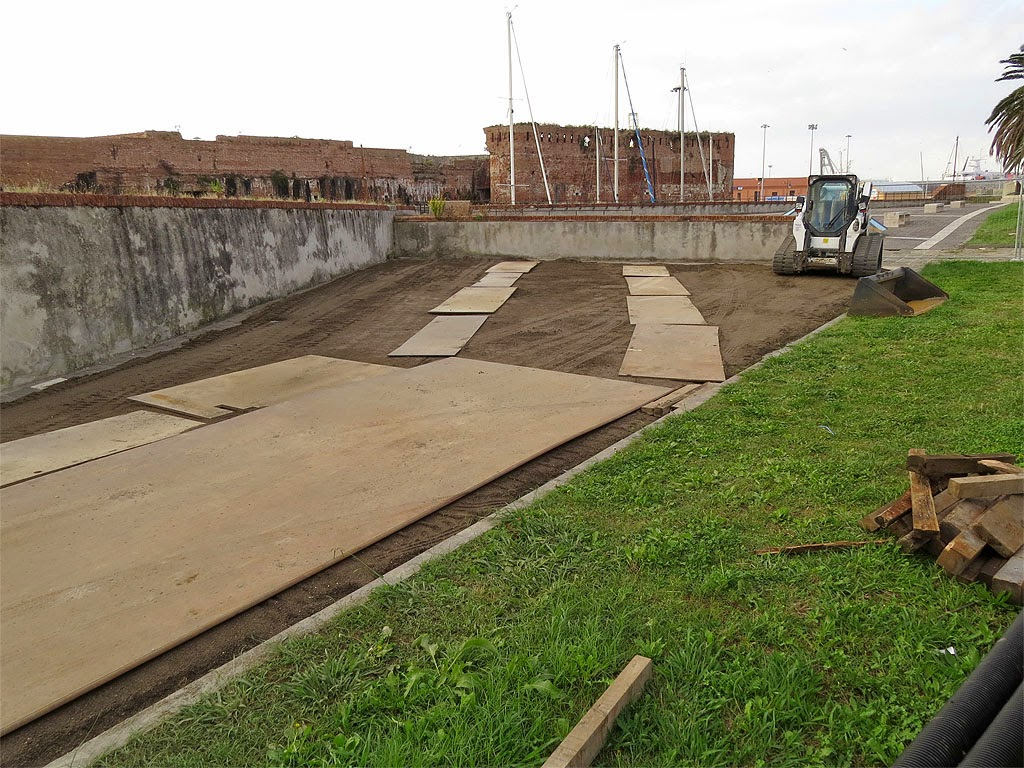 Preparatory works for the new footbridge, Fortezza Vecchia, Livorno