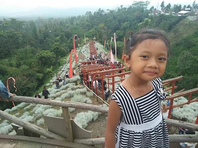 Ni ketut Nadia Diva Sari di  taman Jinja Bali