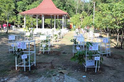 Aneka pohon dari berbagai daerah di Indonesia di Hutan Wisata Tinjomoyo
