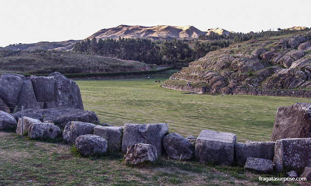 Esplanada do Templo de Sacsayhuaman, local da principal cerimônia da Festa do Sol em Cusco