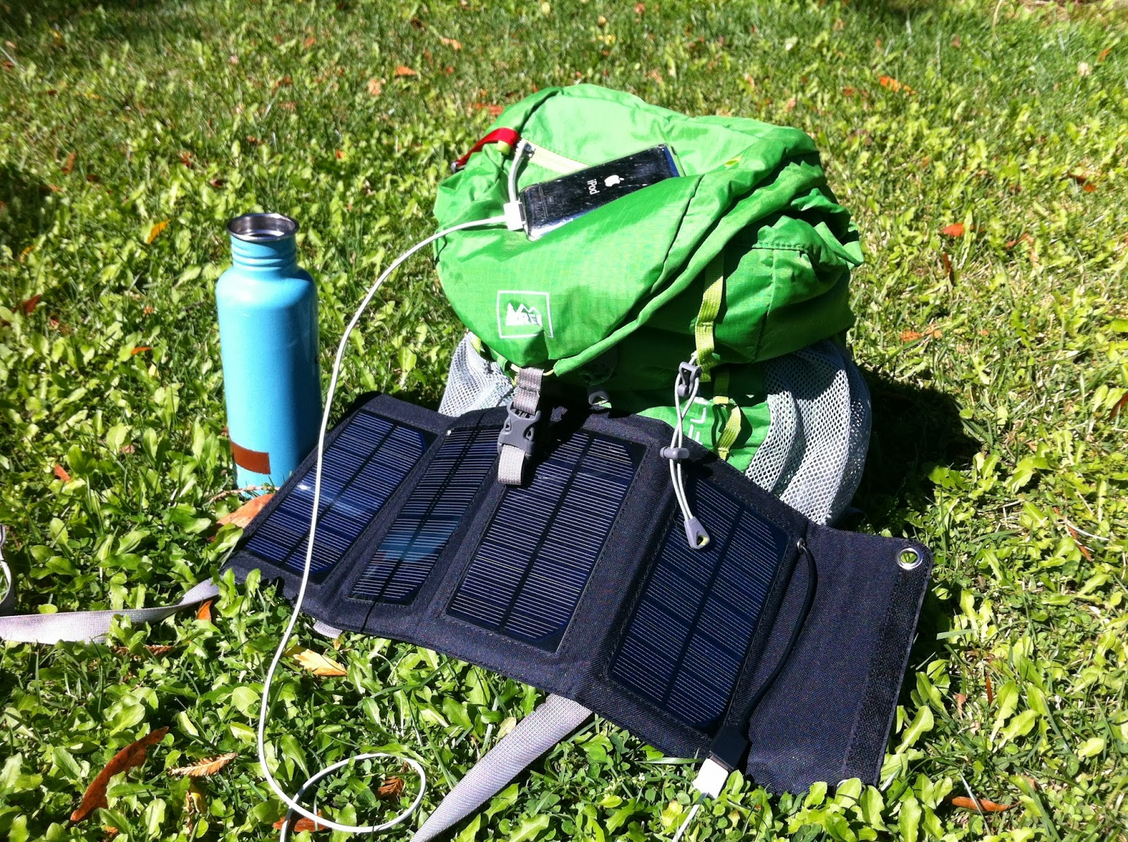 Outdoorsy Mama Cool Portable Solar Iphone Charger For Your Hiking Backpacking Outdoor Adventure Product Review Strongvolt 7w Solar Charger