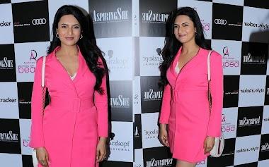 Divyanka Tripathi At Aspiring She Awards Event Photos