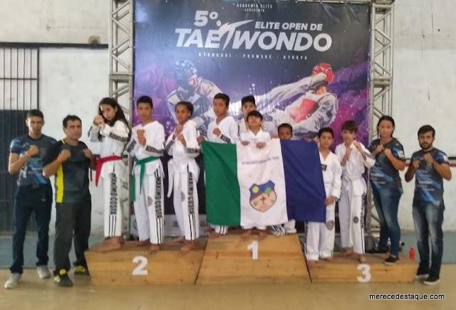 Atletas de Santa Cruz do Capibaribe trazem 9 medalhas do Elite Open de Taekwondo 2019