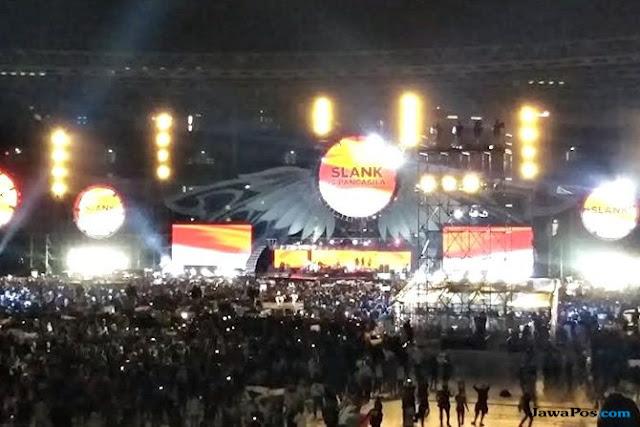 Pesan Jokowi Atas Tsunami Selat Sunda di Konser 35 Tahun Slank