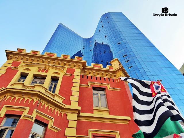 Fotocomposição com as fachadas do Palacete Conde de Sarzedas e do Edifício 9 de Julho - Centro - São Paulo
