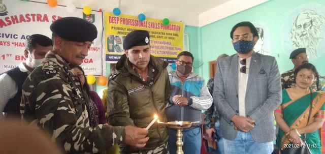 खोरीबाड़ी नेपाल सीमा अन्तर्गत मदनजोत जूनियर स्कूल में एसएसबी 41वीं बटालियन की ओर से तीस दिवसीय हेंडमेड ज्वेलरी कोर्स प्रशिक्षण शिविर का शुभारंभ।