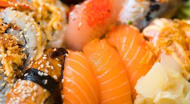 "Alt=""Sushi fish eating benifits"""