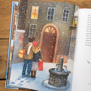 """Weihnachtsbilderbuch """"Die kleine Glocke, die nicht läuten wollte. Eine Weihnachtsgeschichte"""" von Heike Conradi, illustriert von Maja Dusikova, erschienen im NordSüd-Verlag, Rezension auf Kinderbuchblog Familienbücherei"""