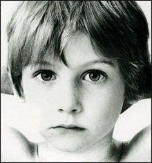 """Niño de la Portada del Disco """"Boy"""" de U2"""